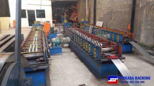 Foto 2. Berbagai Jenis Mesin Rollforming Untuk Mencetak Besi Rak